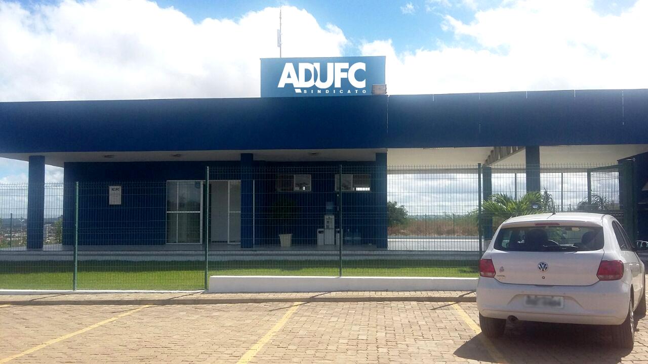 Diretoria da ADUFC-Sindicato reúne-se com Reitora da UFCA
