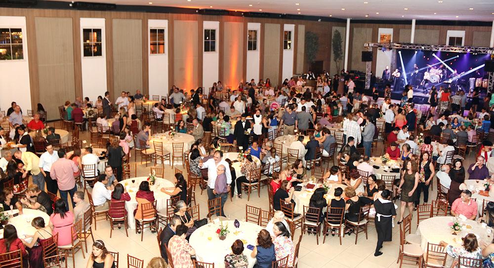 Festa da ADUFC-Sindicato em comemoração ao Dia do Professor tem presença maciça dos associados