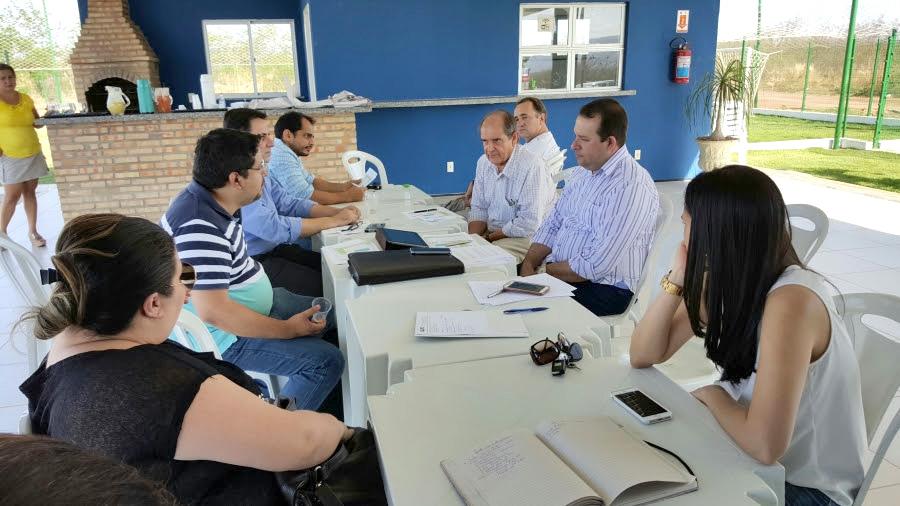 Diretoria da ADUFC-Sindicato realiza reunião sobre ampliação da sede UFCA com professores do Cariri