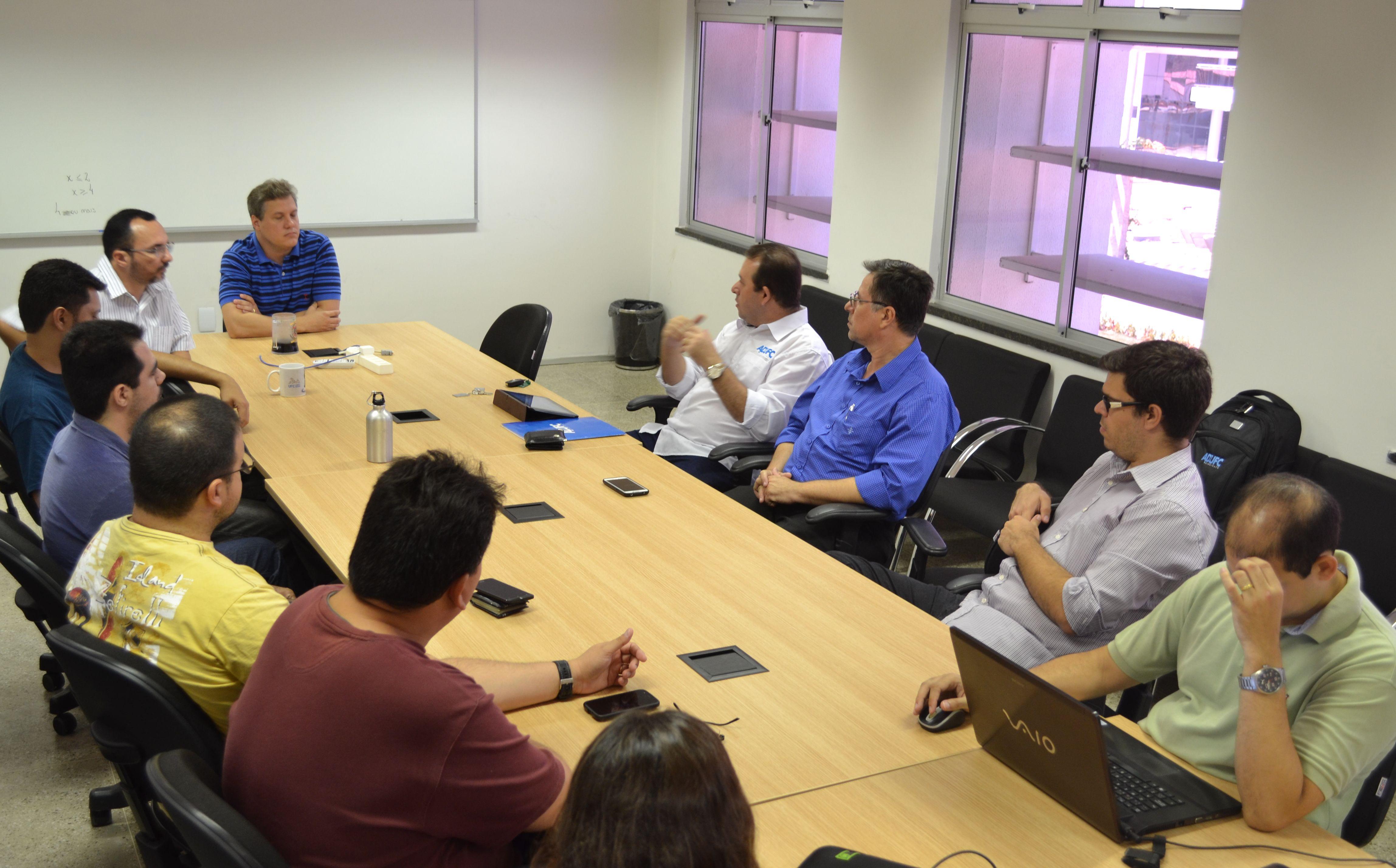 Diretoria da ADUFC-Sindicato participa de reunião com professores da UFC em Quixadá