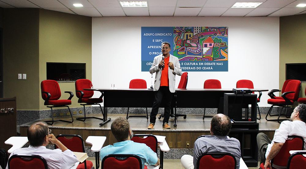 Palestra sobre Ética marca início do projeto Ciência, Tecnologia e Cultura em Debate nas Universidades Federais do Ceará