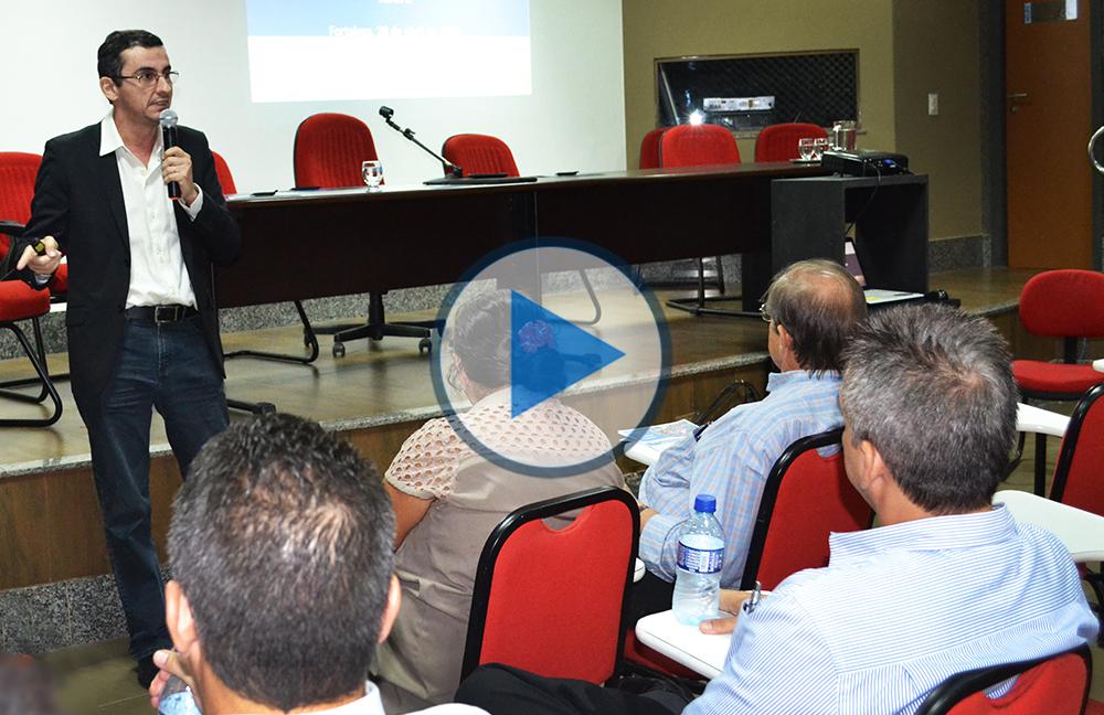"""Palestra """"Água e Desenvolvimento"""", com o Prof. Eduardo Martins"""