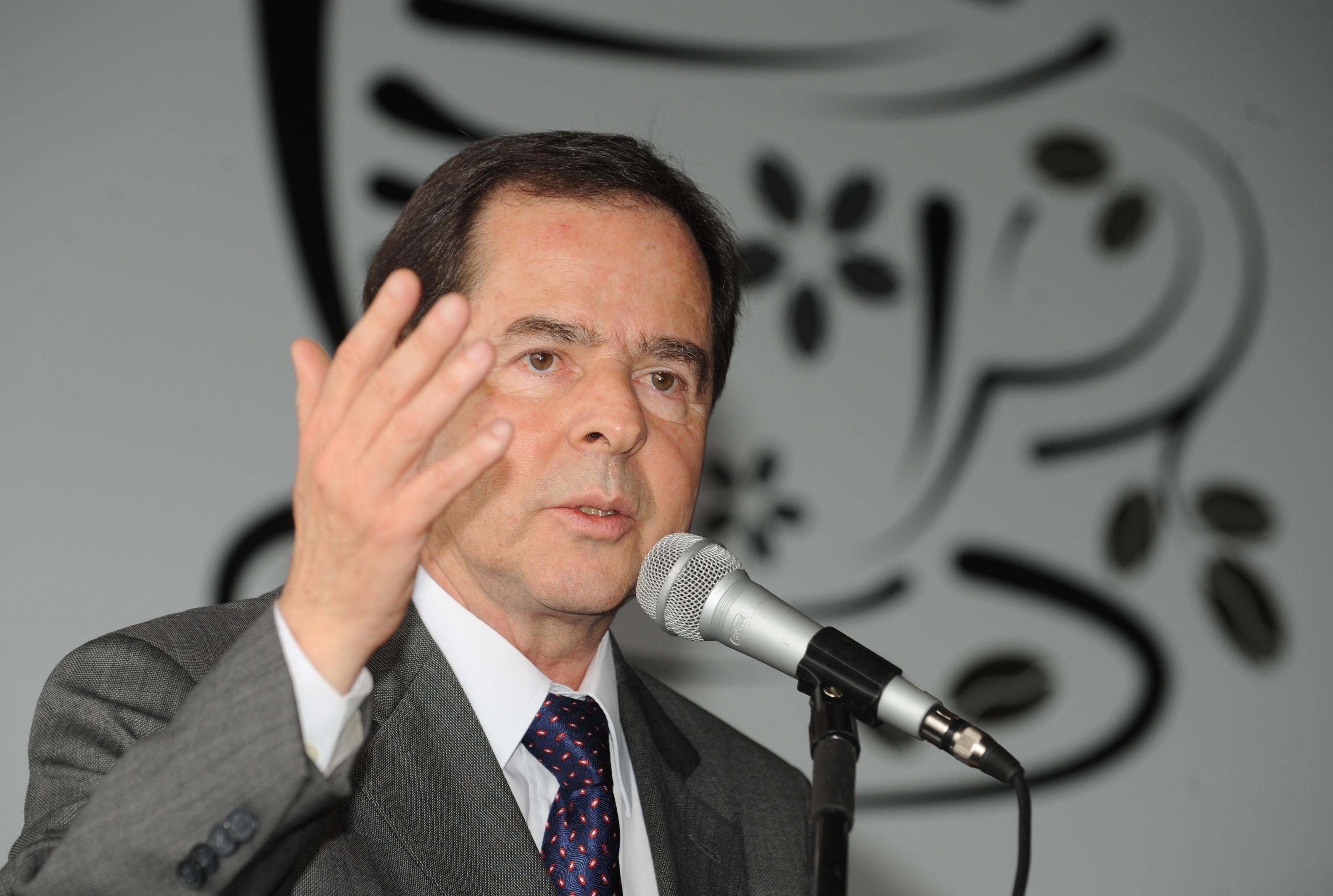 """[Ao Vivo] Acompanhe a palestra """"A fusão do MCTI e o futuro da Ciência, Tecnologia e Inovação no Brasil"""", com Sérgio Rezende (Ex-ministro de Ciência e Tecnologia)"""
