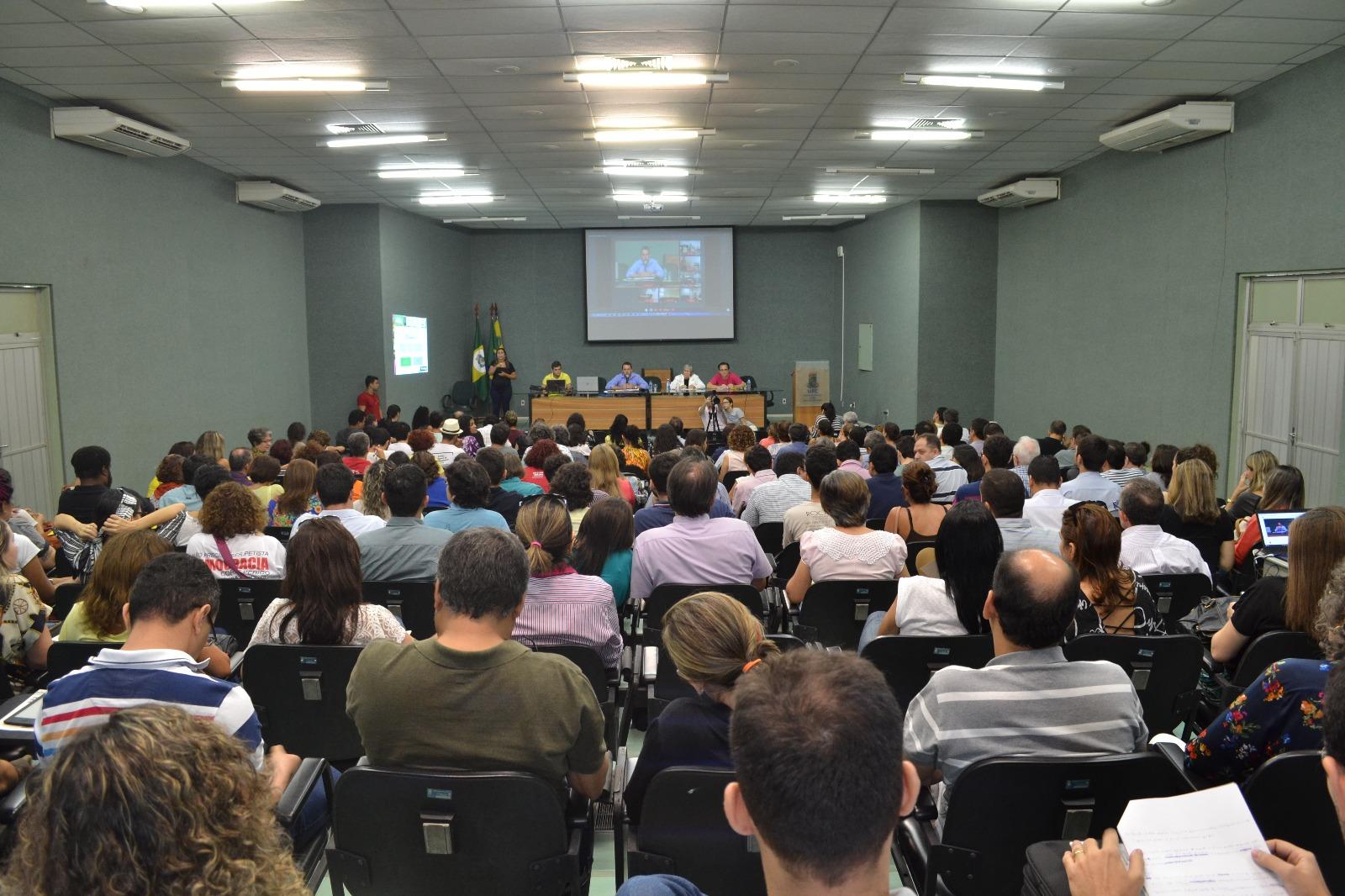 Assembleia do dia 18/11/2016 ( Auditório Reitor Ícaro de Sousa Moreira do Centro de Ciências da UFC)